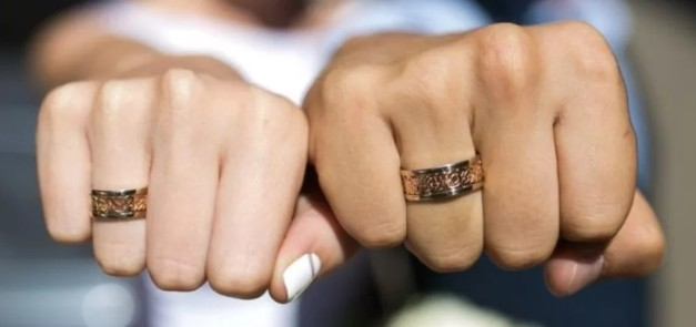 Мужские перстни-печатки: купить кольцо-печатку для парня в гипермаркете  Злато | 295x627